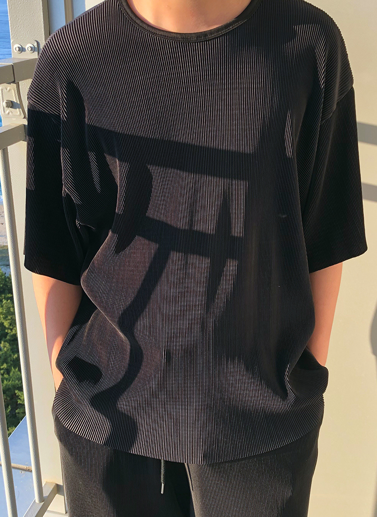 ラウンドプリーツ半袖Tシャツ
