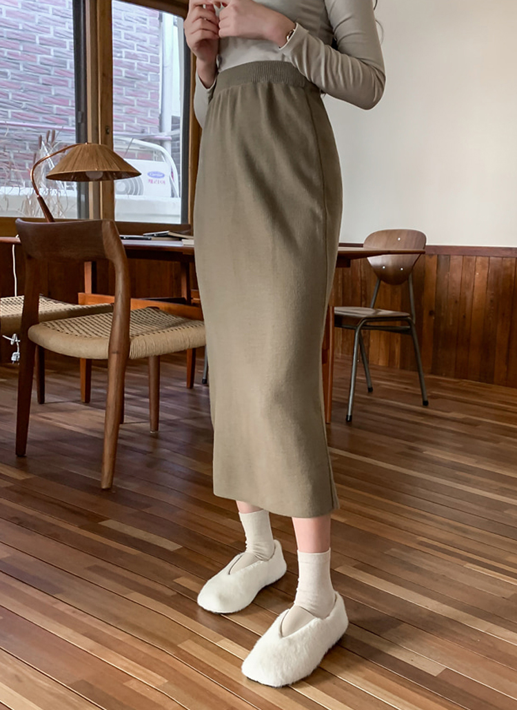バックスリットアクリルニットスカート