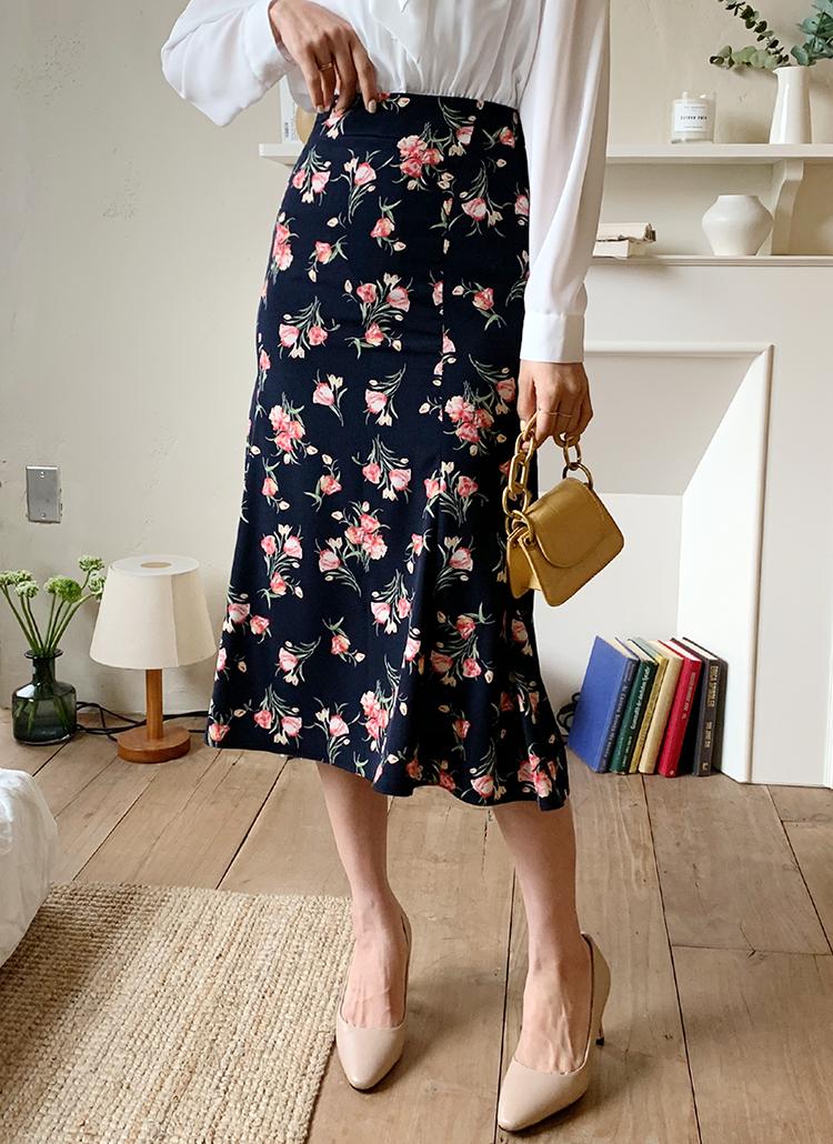 フローラルAラインスカート・全2色