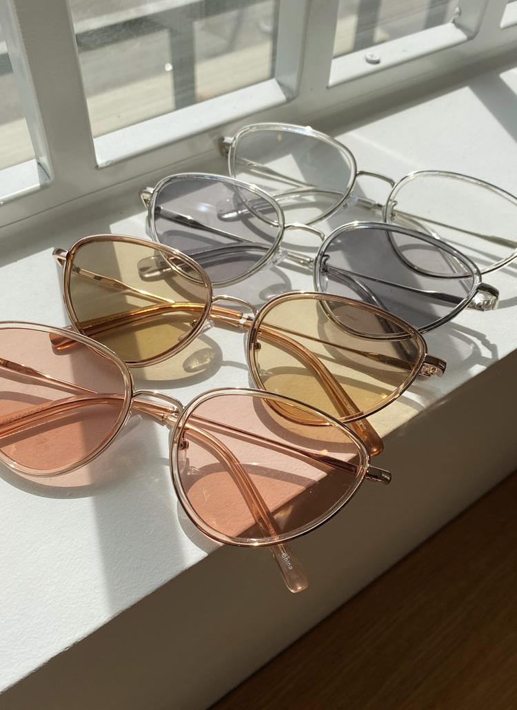 UV400トライアングルサングラス・全5色