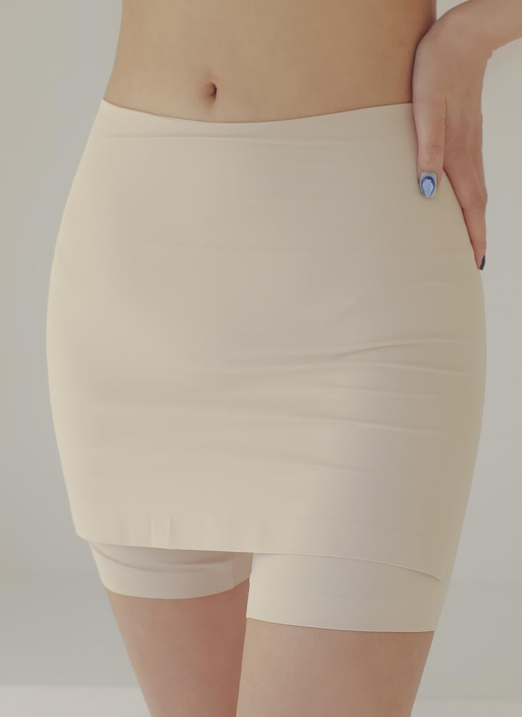 インナースカートパンツ