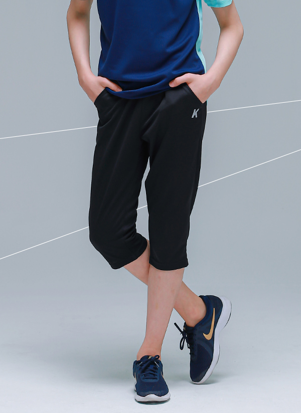 Kロゴ7分丈パンツ(ブラック)