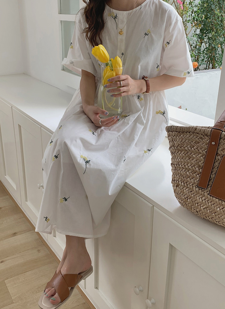 花刺繍ロングワンピース