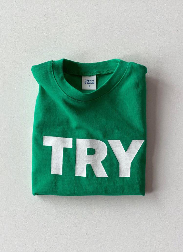 TRYレタリングTシャツ