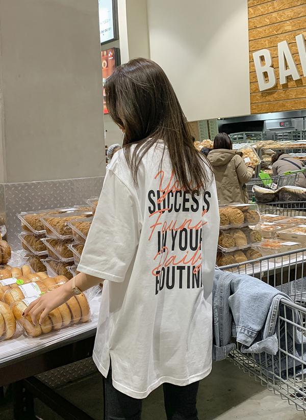 SUCCESレタリングTシャツ