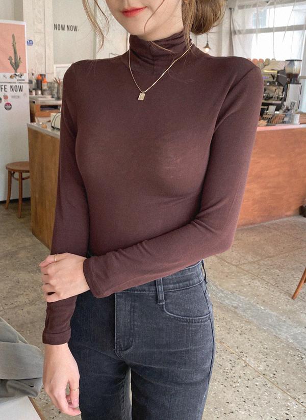 タートルネックスリムTシャツ