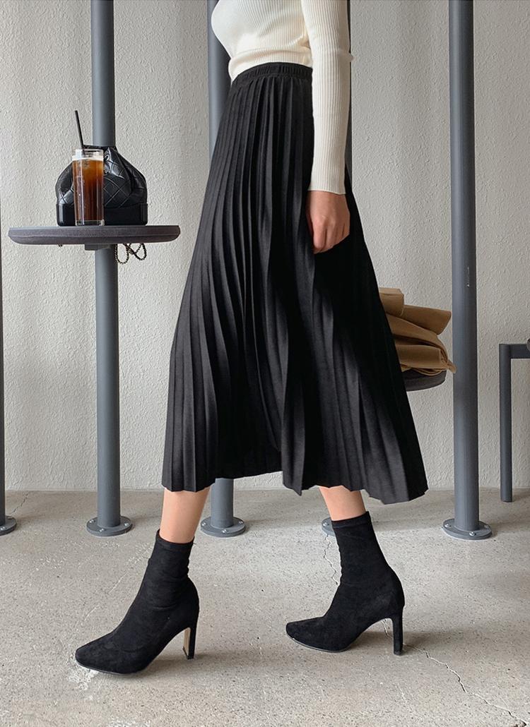 スウェードライクプリーツスカート