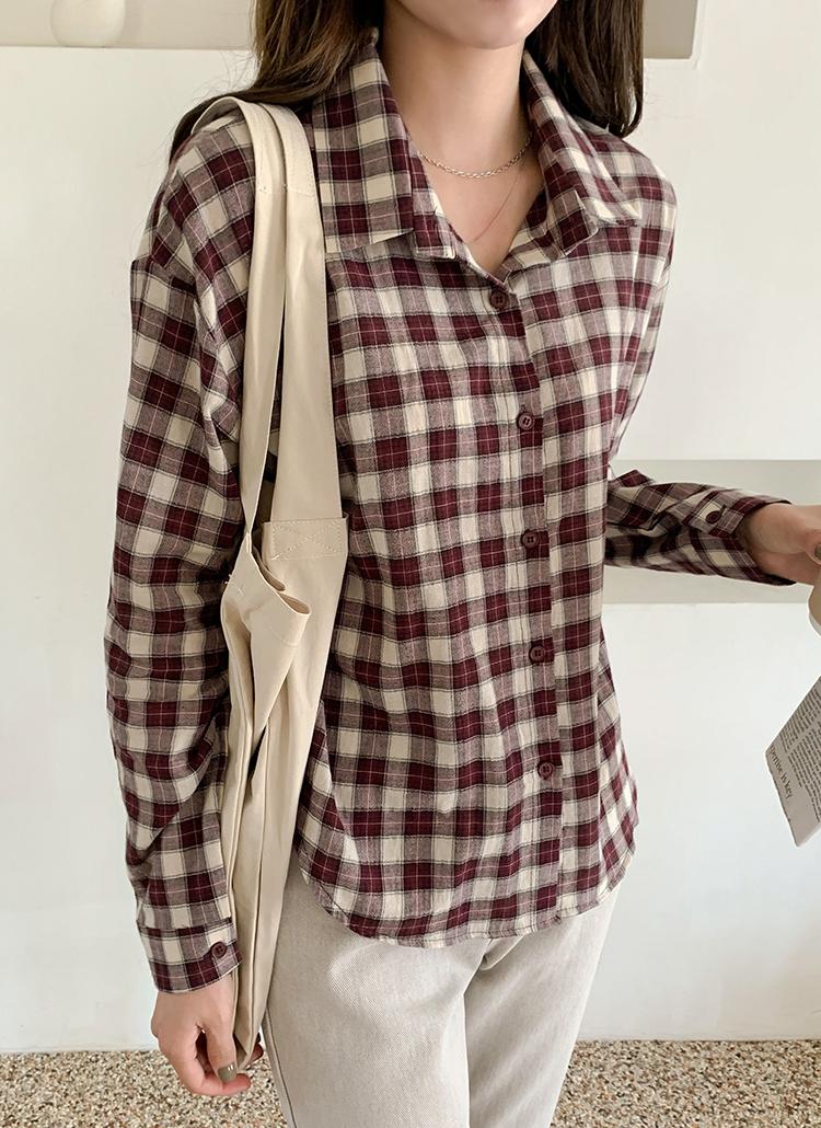 チェックパターンシャツ