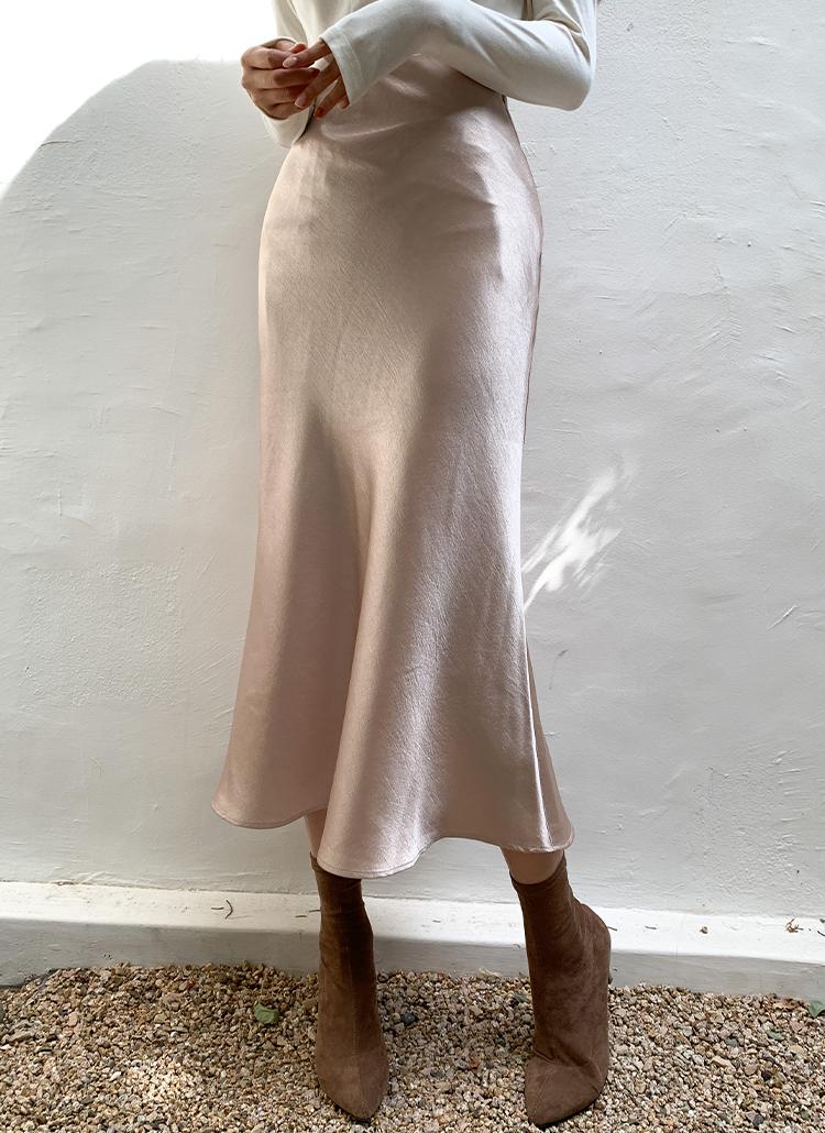 サテンロングフレアスカート