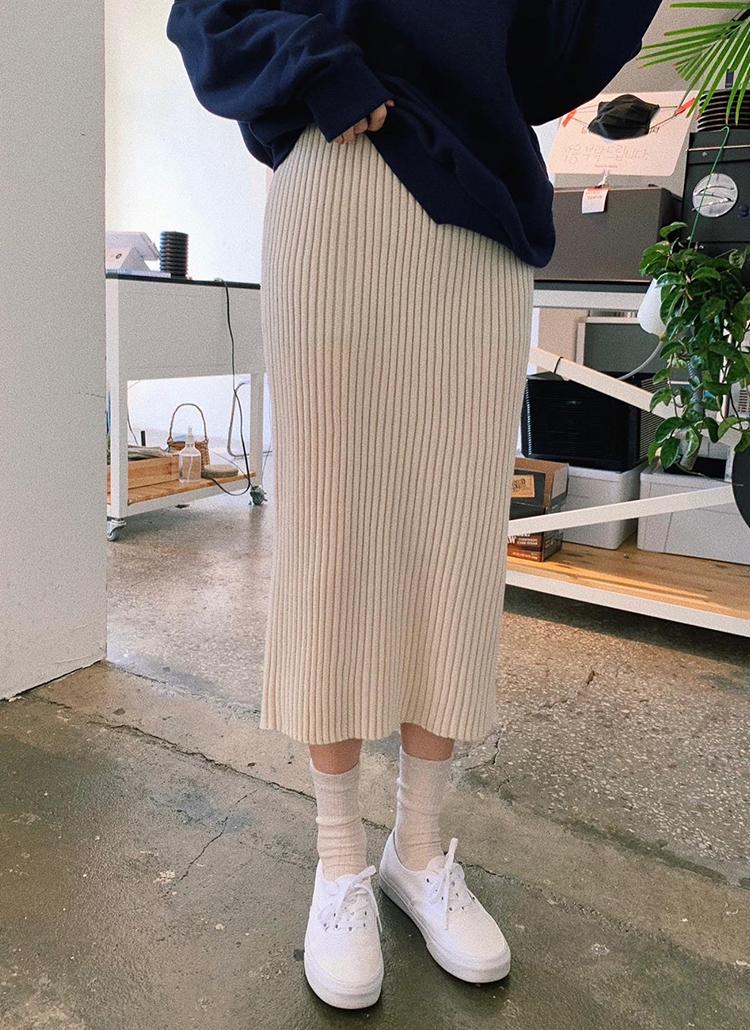 Hラインリブニットスカート