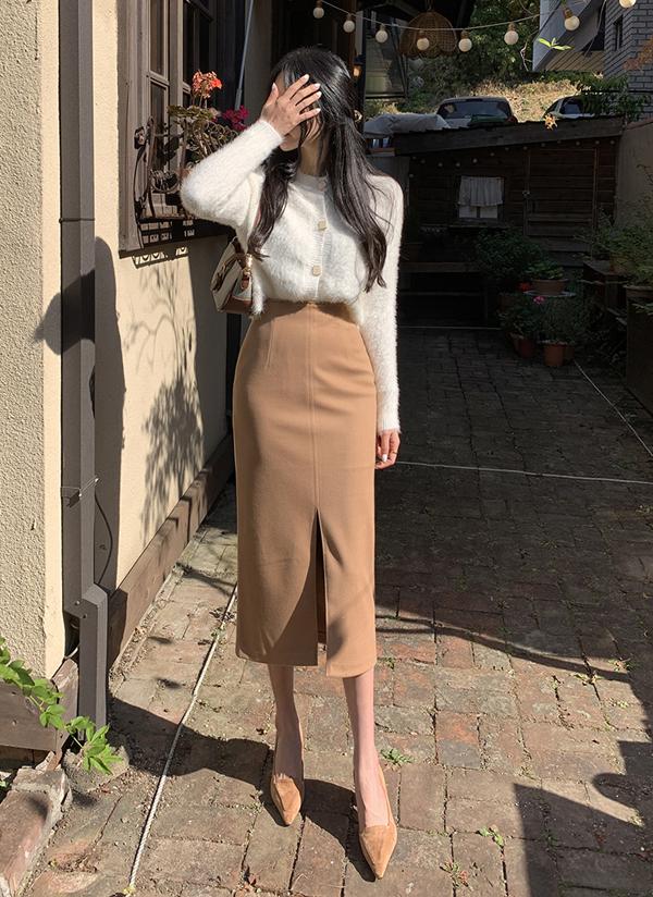 センタースリットスリムスカート