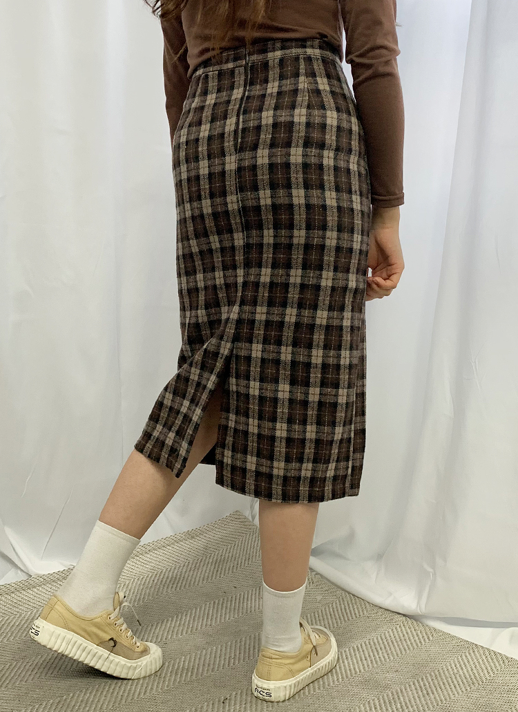 バックスリットチェック柄スカート