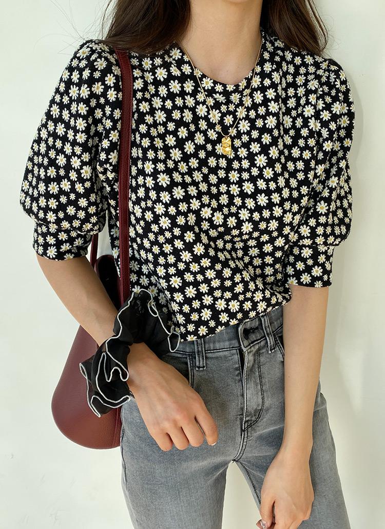 パフスリーブ花柄Tシャツ・全2色