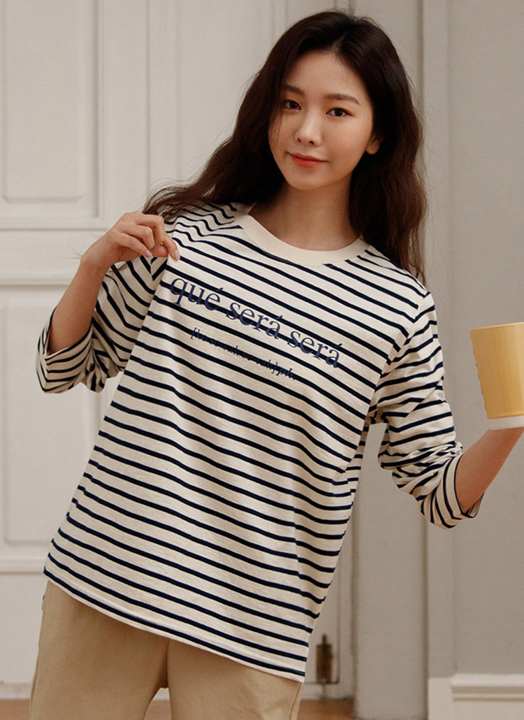 レタリングボーダーTシャツ