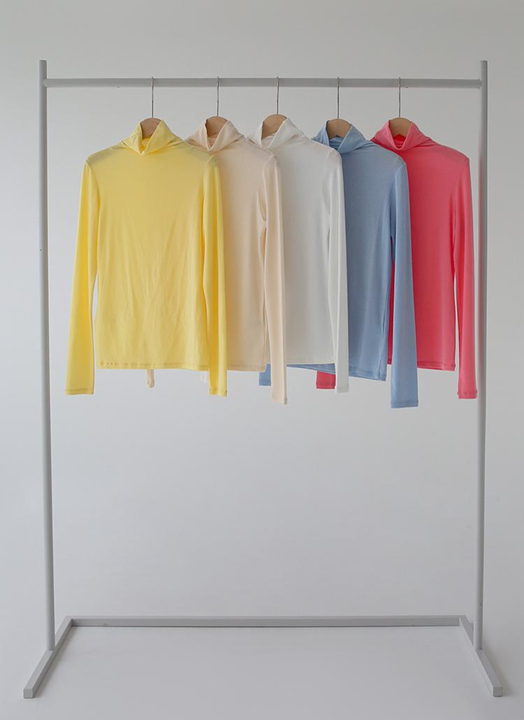 ハイネックスリムフィットTシャツ