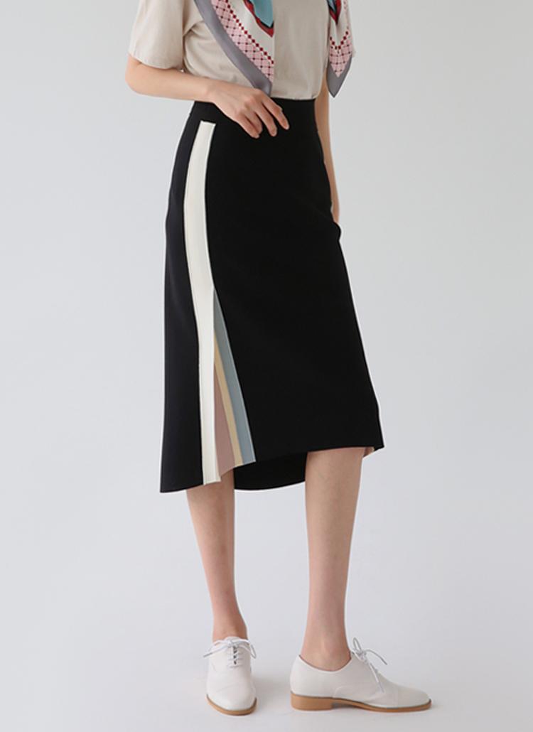 サイドスリットマルチカラースカート