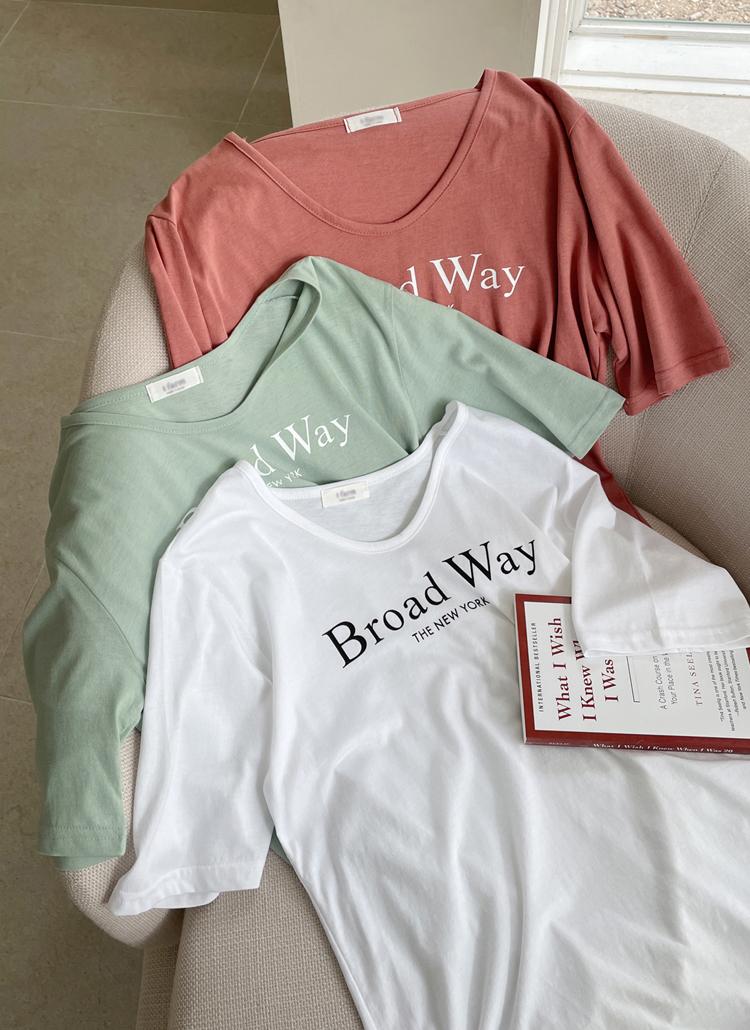 レタリングUネックTシャツ・全4色