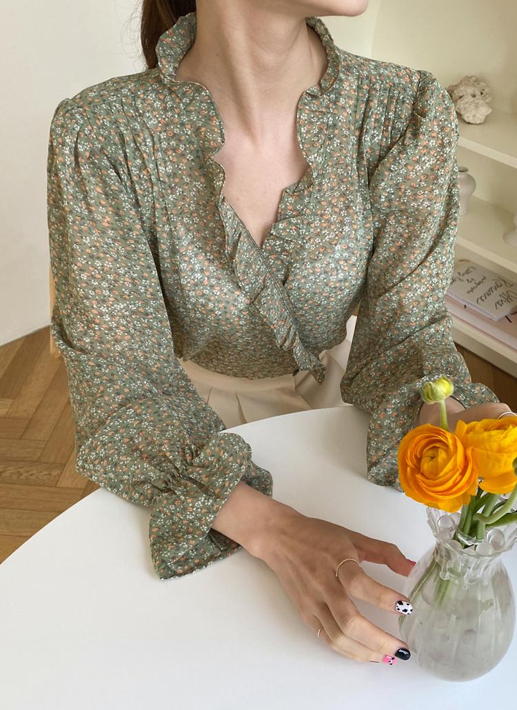 Vネックフリル花柄ブラウス・全2色