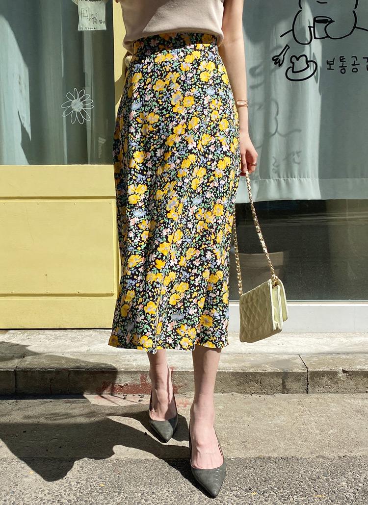 花柄Aラインスカート・全2色