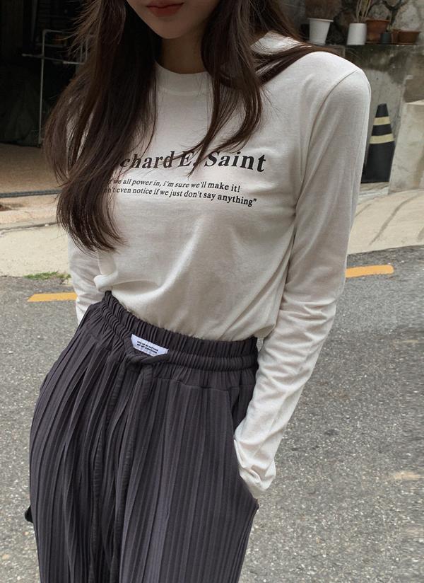 レタリングプリント長袖Tシャツ