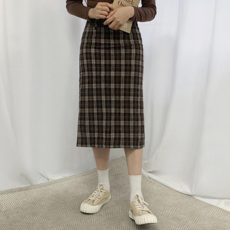 치마 모델 착용 이미지-S1L11