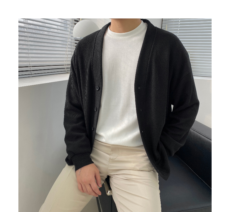 긴팔 티셔츠 모델 착용 이미지-S1L46